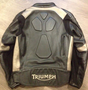 Triumph Leather Motorcycle Jacket Sarnia Sarnia Area image 2