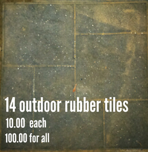 Outdoor rubber landscaping tiles