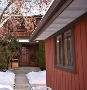 (SOLD) ** 3 bdrm townhome St. Albert for rent