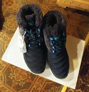 Brand New Girls Winter Boots Sz 5.5