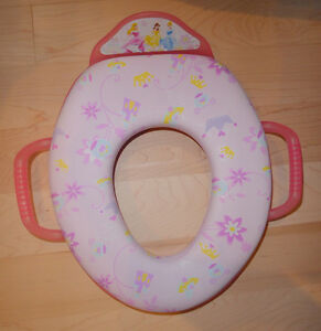 Disney Princess toilet seat, excellent clean condition Kitchener / Waterloo Kitchener Area image 1