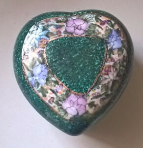 Vintage Chinese Heart Shaped Green Trinket Box