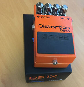 Boss D1X Speical Edition Distortion Pedal w/box like new