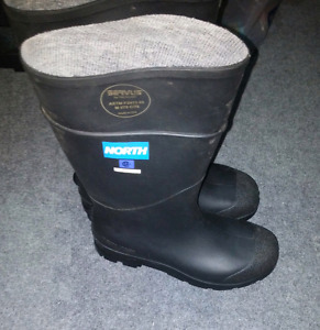 Steel toe rubber boots CSA approved