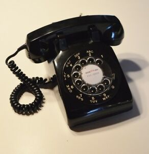 Téléphone ancien / rétro / vintage