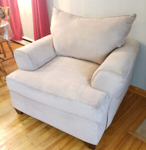 Couche and the chair like new