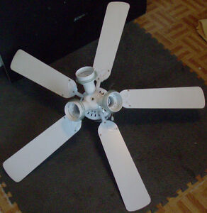 2X 44'' DIAMETER CEILLING FANS wt LIGHT VENTILATEUR avec Lustre