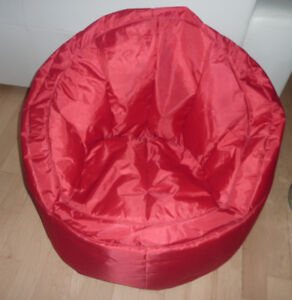 Kids Youth Size Bean Bag Chair In Very Good Condition