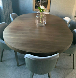 Brand New Modern Dining table Extendable with Smooth Wood Effect Finish Seats 6-8