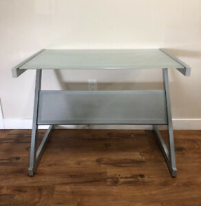 Computer, study or accent table