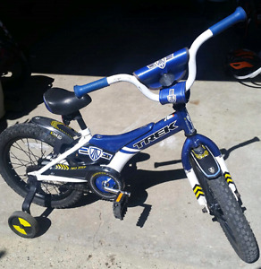 "16"" Trek Jet blue boy's bike w/ training wheels"