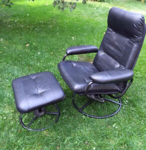 Recliner/Lounger with Foot Stool