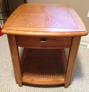 Sklar Peppler Oak End Table -GORGEOUS - Mint Condition-Real Wood Edmonton Edmonton Area image 1