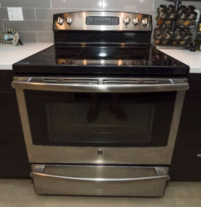 Stove and fridge must sell