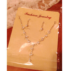 Gorgeous Pearl & Rhinestone Crystal Necklace Earrings Set - New!