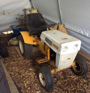 SEARS CUSTOM 10XL LAWN/GARDEN TRACTOR(mower deck and snowblower)