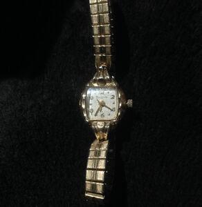 Vintage Ladies Bulova 10 KT RGP  analog watch