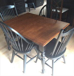 Dining Table Mennonite