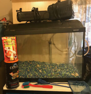 LARGE FISH AQUARIUM WITH PUMPS N LOTS OF ITEMS LIKE NEW