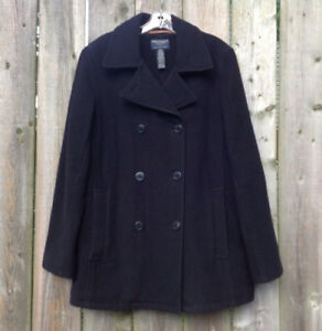 American Eagle Outfitters double breasted peacoat. size M.