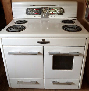 Vintage 1950's McClary Rare Pushbutton Stove