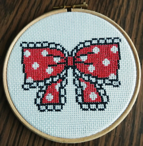 Red polka dot bow embroidery