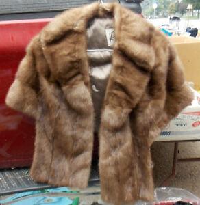 real Robinsons of Hamilton fur stole