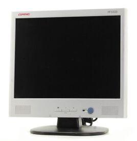 £10 - VGA Monitor 15'' Speakers built in. (vga adapter)
