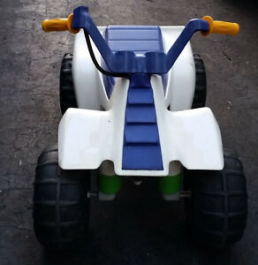 Battery Operated Buggy /Motorcycle ATV West Island Greater Montréal image 2