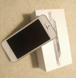 iphone 5 unlocked 16GB, white with full original packing