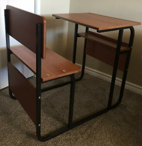 Kids desk euc
