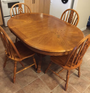 Kitchen Table with Chairs (4)
