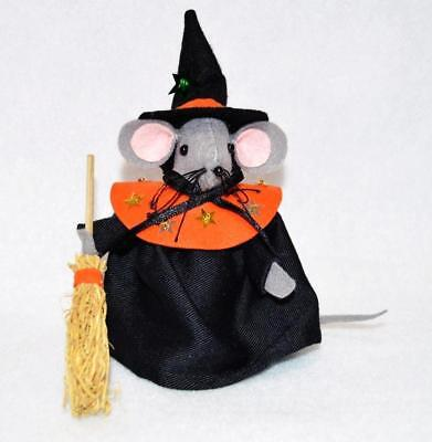 HAND~CRAFTED FELT HALLOWEEN WITCH MOUSE W/BROOM 6