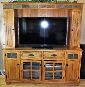 Oak Entertainment Unit - (SEDONA style fr KONTO)