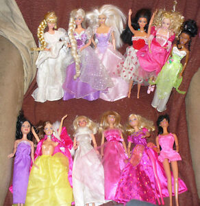 BARBIE CARRIAGE 2005 25 PRINCESSES &1 prince.big box lot