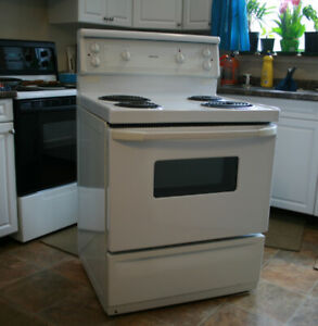 Stove (Moffat white) Electric