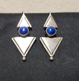 925 Sterling Silver Earings with a Precious Lapis lazuli Stone