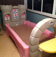 PRINCESS CASTLE TODDLER TO TWIN BED
