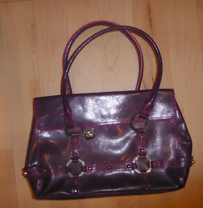 Various handbags $ 5 - $ 55 (DKNY, Armani, GUESS, no name) Kitchener / Waterloo Kitchener Area image 9