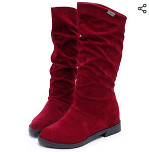 Deep red, never worn stylin' winter boots, comfortable size 6.5
