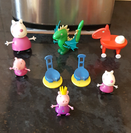 Peppa pig accessories and figures £5 smoke & pet free home REDUCED £4