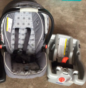 Graco Click Connect 35 car seat (5 years remaining)