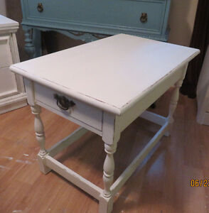 Lovely Little Shabby Chic Vintage White Distressed Table