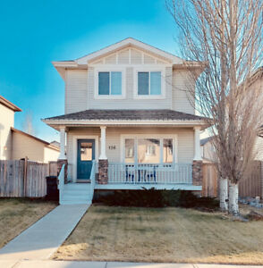 OPEN HOUSE SAT. Jan  19th.  1:00-3:00  Fully finished wGarage