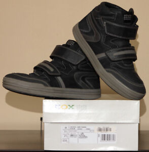 Boy's GEOX Sneakers (Young/Big Kids size 3.5 US / 35 EUR)