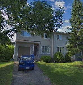 Maison à louer à Pointe-Claire