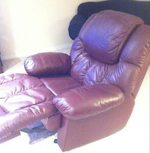 PALLISER ROCKER RECLINER (with storage and drink holders) Cambridge Kitchener Area image 2