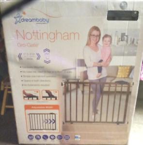 Dreambaby Nottingham Gro-Gate (new in box)