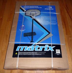 panier de basketball NEUF dans sa boite scellée