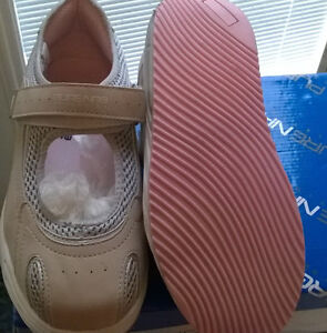 New Mary Jane Style Walking Shoe - Size 7 Regina Regina Area image 2